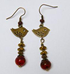 """Boucles d'oreilles fantaisie, romantiques, pendantes, perles en agate, rondelles en verre jaune moucheté, laiton bronze de """"Mes créations-plaisir"""" : Boucles d'oreille par mes-creations-plaisir"""