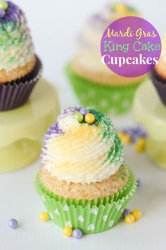 Mardi Gras King Cake Cupcakes -- cinnamon swirl cupcakes with buttery frosting and sanding sugar.