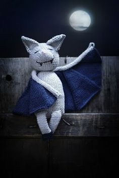 Would love to crochet a bat for my son! Going to have to figure it out!