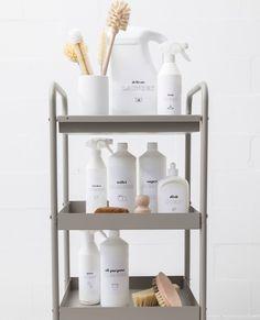 Tip 2 van onze opruim Top 10: Geef al je spullen een vaste plek! Dat geldt dus niet alleen voor boeken, kleding en speelgoed, maar ook voor je schoonmaakmiddelen. Check de link in bio voor de 9 andere tips van onze stylisten!  Wat zijn jouw tips voor een goedgeorganiseerd huis?  #loods5 #getorganized #wonen #interior #opruimen #organizing #loods5inhuis #minimal Fresh Bread, Bathroom Medicine Cabinet, Laundry Room, Delicate, Inspiration, Home Decor, Laundry, Biblical Inspiration, Wash Room