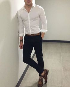 Comment below . Mens Casual Dress Outfits, Formal Men Outfit, Stylish Mens Outfits, Business Casual Men, Men Casual, Mens Fashion Suits, Men's Fashion, Best Casual Shirts, Zalando Style
