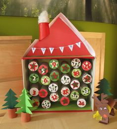Papprollen-Adventskalender / Advent Calendar made with toilet paper rolls / Upcycling