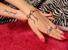 84 Meilleures Images Du Tableau Tatouage Maelys Cute Tattoos