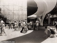 PeopleMover track connecting to Adventure thru Innerspace attraction building, Oct 1976