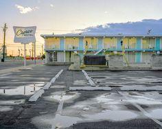 Caprice Motel: Man kann Haugheys Bilder als analytischen Blick auf die Essenz...