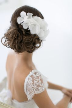 Alice Padrul Bridal Couture Collection, headpiece Blanca. www.alicepadrul.com Photo By Christy Tyler Photography