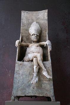 La fantaisie dans les sculptures de Herman Muys paraît inépuisable, sa créativité vaste et illimitée.