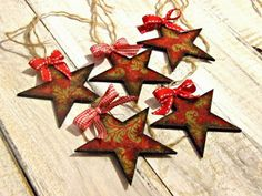 #decoupage #christmas  ozdoby choinkowe hand made decouapage gwiazdki vintage Decoupage, Christmas Decorations, Holiday Decor, Advent Calendar, Vintage, Handmade, Home Decor, Art, Art Background