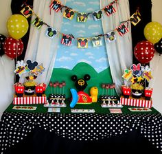 Mickey Mouse Clubhouse Birthday Party Styling:  Jen Carver //Banner Events