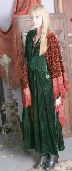 Love this look!  ...  Gypsy Moon: Romantic Vintage Inspired Clothing
