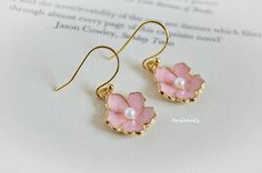 Cherry blossoms earrings in gold Pink flower earrings by Brillants