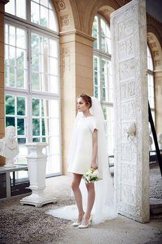 Minimalist short wedding dress. It looks so fresh and modern.