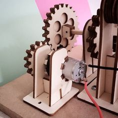 Laser-cut motor stand #lasercut #automata #maker Classroom Projects, Cnc Projects, Woodworking Projects, Wood Cutting, Laser Cutting, Wood Router, Automata, Teds Woodworking, Diy Toys
