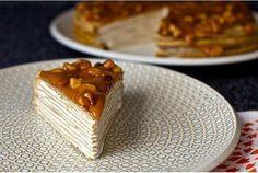 Блинный торт из бананов с йогуртом и глазурью из грецкого ореха / Удивительная еда!