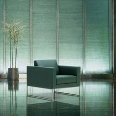 Möbelschweiz Product Pick: DS-160 Sessel von de Sede Den modularen Kombinationsmöglichkeiten sind nahezu keine Grenzen gesetzt, wodurch die Ästhetik anhand maximaler Flexibilität unterstrichen wird. Auf dieser Sitzlandschaft lässt es sich herrlich leger kommunizieren oder einfach seine Ruhe geniessen. #home #interior #desede #design #furniture #elegance #60s #designklassiker #switzerland #classy #elegant #ästhetik #livingroom #green #greenchair #greenarmchair #elegance #swiss #leatherchair