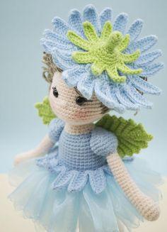 Amigurumi de ganchillo muñeca hada de la flor de la