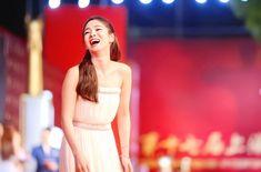 Song Hye Kyo, Formal Dresses, Wedding Dresses, Korean Girl, One Shoulder Wedding Dress, Actresses, Idol, Twitter, Fashion