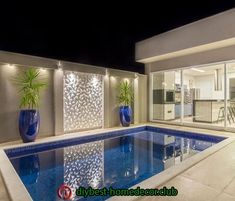 La imagen puede contener: 1 persona, piscina e interior House Design, House, Home, House Exterior, Patio Design, Small Pool Design, New Homes, Luxury House, Luxury Pools