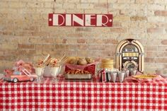 50'S Retro Themed Bedroom Ideas | How about a retro diner style reception / dinner! Would go down well ...
