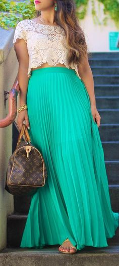 Long pleated skirt, crop top and sandals for summer