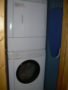 D3 Utility Closet w Stacked Washer and Dryer