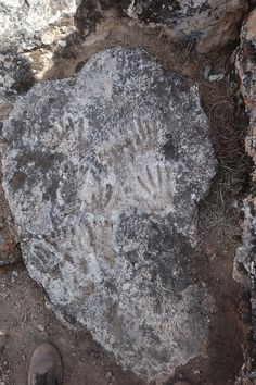 Old Things, Archaeology, Cave, Prints, Hand Art, Anthropology, Footprint, Art History, Dating