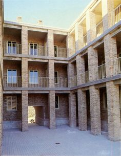 Miguel Garay and Jose-Ignacio Linazasoro, Residential building, Mendigorria, Navarre, Spain, 1980