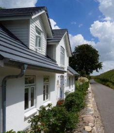 Ferienhaus an der Nordsee. Das Landhaus Deichgraf ist ein geschmackvoll restauriertes, historisches Landhaus in traumhafter Lage direkt am Deich gelegen, in Tönning nahe Bad St. Peter-Ording