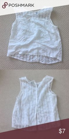 🎉BOGO🎉H&M embroidered crop top Worn a few time H&M embroidered crop top with button up the back. H&M Tops Crop Tops