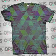 Camiseta Piramides Folk