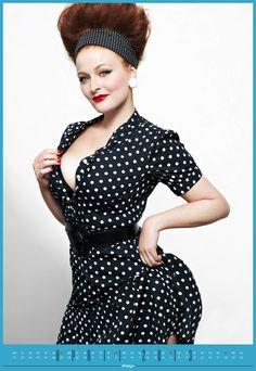 Unser April-Model: Yvonne S. aus Herne im 50ies Look mit Pünktchen