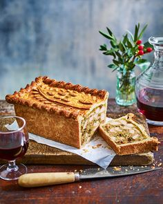 Use our step-by-step recipe to create this show-stopping raised chicken pie. Unlike a regular pie, this one has a nostalgic Coronation chicken filling. Jelly Recipes, Pie Recipes, Whole Food Recipes, Cooking Recipes, Pastry Recipes, Drink Recipes, Cake Ingredients, Homemade Tacos, Recipes