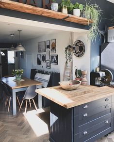 showing us how open plan living is done ⠀⠀ ⠀⠀ Tap to shop the Malvern ⠀⠀ ⠀⠀  Kitchen Dinning, Home Decor Kitchen, Kitchen Interior, New Kitchen, Home Kitchens, Küchen Design, House Design, Interior Design, Open Plan Kitchen
