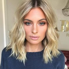 Fab Fashion Fix — Soft blonde waves and natural makeup for beauty...