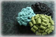 Completely fun, wonderfully dimensional Fringe Flowers from Lil' Inker Designs (with instructions). #flowers #crafts #DIY #scrapbooking #handmade #felt