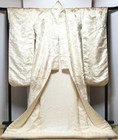 Japanese-vintage-antique-White-Wedding-KIMONO-UCHIKAKE-SHIROMUKU-Embroidery-Silk