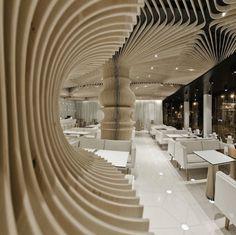 現代美術を鑑賞しながら、カフェなんて贅沢!|Cafe Space -カフェスペース-