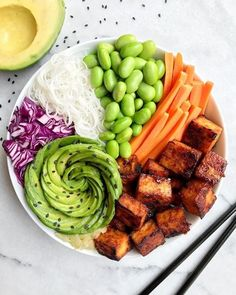 """6,047 Likes, 54 Comments - MADE BY PLANTS 🌿 (@buddha_bowls) on Instagram: """"Maple Sriracha tofu bowl by @thebirdfeednyc 🌶 🌱 rice noodles, edamame, carrots, maple Sriracha…"""""""
