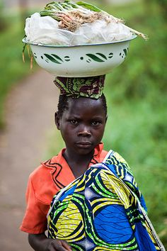 Lendu girl back from the market, Gety, Ituri district, Democratic Republic of Congo