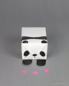 DIY panda gift wrap - Pandas - Decor, Gifts, Clothes, Memes, Cuteness and More - Origami Kinder Valentines, Bear Valentines, Valentine Day Boxes, Valentine Day Crafts, Printable Valentine, Homemade Valentines, Valentine Wreath, Valentine Ideas, Panda Gifts