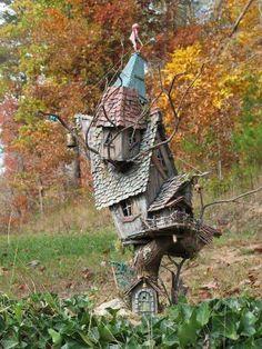 Rustic Themed Bird Shelter For Garden Fairy Tree Houses, Cool Tree Houses, Bird Houses Diy, Fairy Garden Houses, Gnome Garden, Garden Art, Fairies Garden, Fairy Gardens, Fairy Land