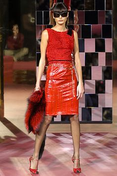 Dolce & Gabbana Fall 2004 Ready-to-Wear Fashion Show: Complete Collection - Style.com