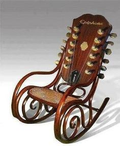 Guitar rocking chair H E double hockey stick YEAH! Unusual Furniture, Funky Furniture, Guitar Chair, Cello Chairs, Music Furniture, Muebles Art Deco, Wooden Dining Room Chairs, Take A Seat, Cool Guitar