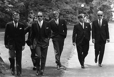 "Canadian Prime Minister Pierre Trudeau and his cabinet - These men knew how to wear a suit. 50 Classy People From The Past Who Remind Us What ""Cool"" Really Means! Reservoir Dogs, Classy People, Justin Trudeau, Pm Trudeau, Trudeau Canada, Raining Men, Costume, Brigitte Bardot, Audrey Hepburn"