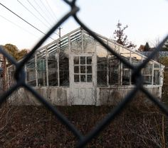 The Lovely Abandoned Nature Greenhouse of North Cambridge – Abandoned Playgrounds