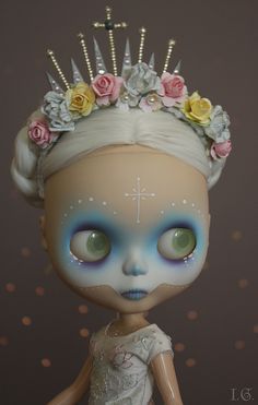 Beautiful custom Day of the Dead Blythe by I.G.