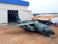 Embraer apresenta avião de transporte militar KC-390 em Gavião Peixoto, SP (Foto: Divulgação/ Embraer )