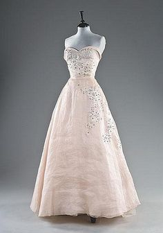 A fine and rare Yves Saint Laurent for Dior 'Trapeze' collection organza ball gown, Spring-Summer, 1958