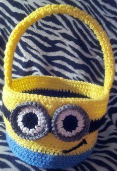crochet minion easter basket or halloween - 2014 Halloween for Kids #2014 #Halloween #Minion