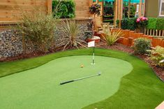 Looking for the Best Artificial Grass Suppliers Glasgow has to offer? It's hard to choose from the many Artificial Grass Suppliers. Glasgow Artificial Grass Expert will help you find the most cost effective! Putting Green Turf, Outdoor Putting Green, Best Artificial Grass, Fake Grass, Artificial Grass Installation, Synthetic Lawn, Indoor Garden, Diys, Green Carpet